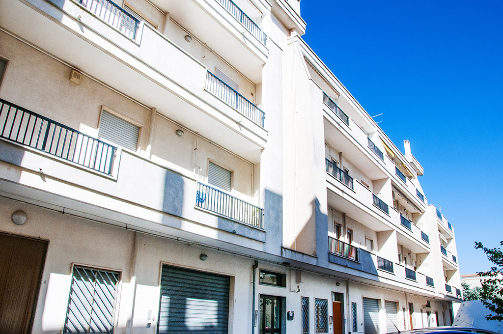 Residenza trav via caboto gruppo albanese for 2 box auto con kit di appartamenti