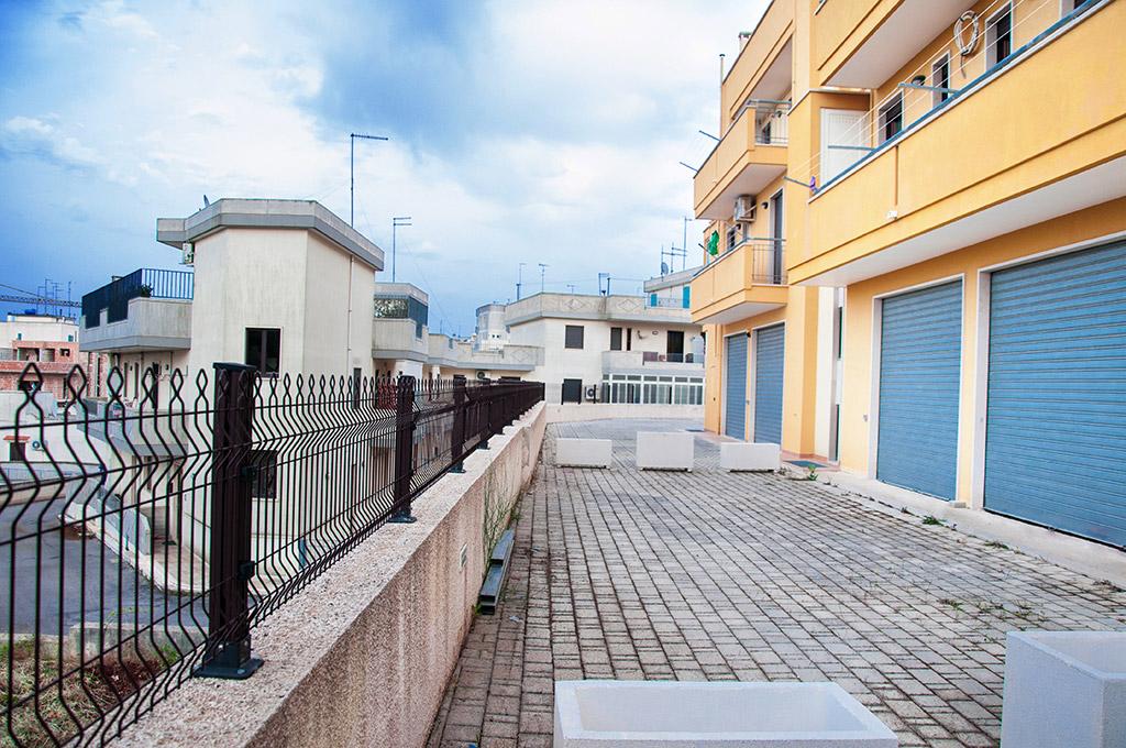 """Locale deposito """"Residenza IV Novembre""""   Gruppo Albanese"""